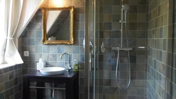 Zimmer 16 Qm, 2er Stock, Doppelbett Bed 200x140cm, Babybettchen Verfügbar  Auf Anfrage, Wasserkocher, Tassen, Gläser, Kaffee / Tee / Mineralwasser, ...